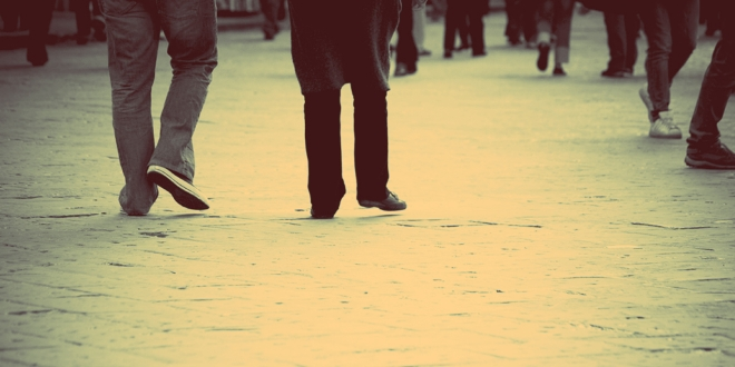 Feet-walking-street-city-effects